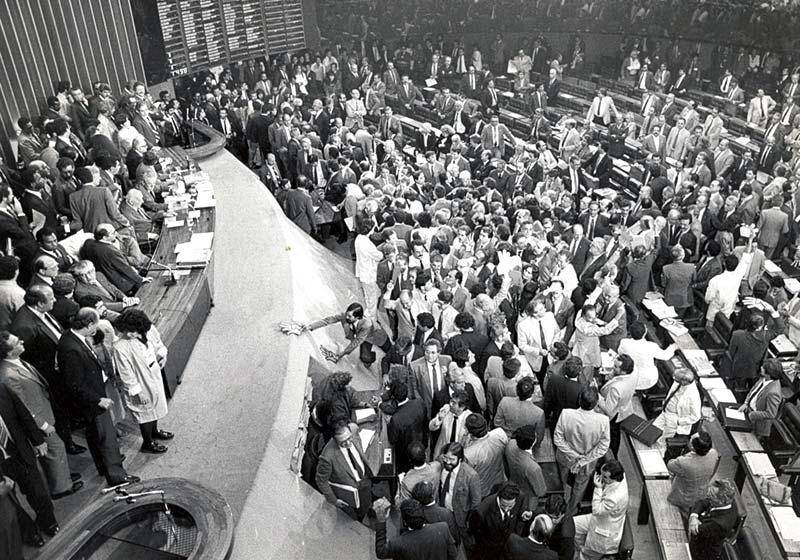 Constituição brasileira foi escrita para políticos, não para a população