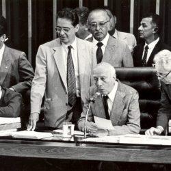 A importância de uma nova constituição como ferramenta para colocar o Brasil de fato no futuro